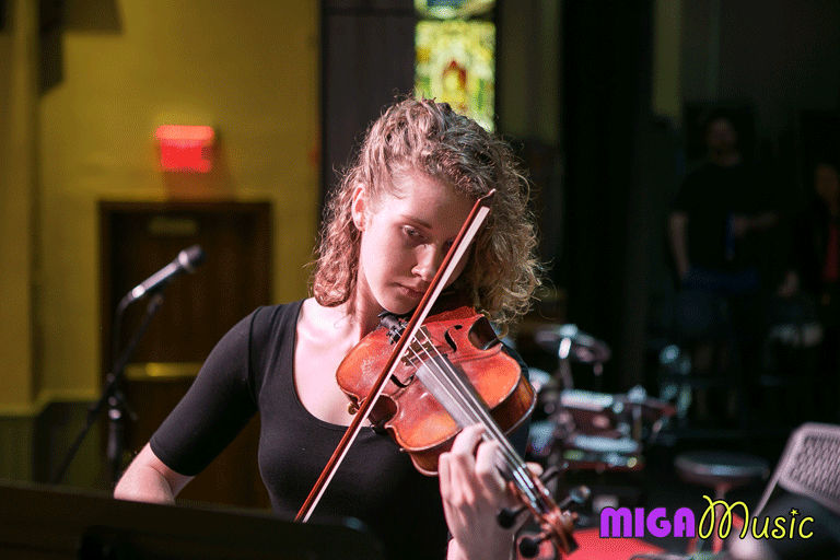 MIGA Music violin student Joanna playing the violin at our Recitals