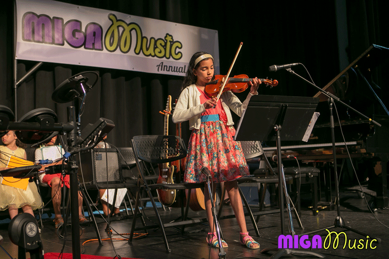 MIGA Music violin student Jessica playing the violin at our Recitals